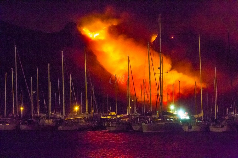 Hout Bay CapeFire Heroes In Red Ike Moriz 2015