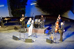 Ike Moriz swing band sextet at Oude Libertas amphitheatre December 2018 jazz blues pop